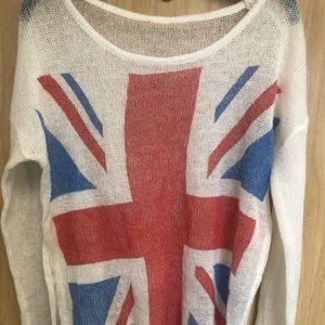 Sweaters - Distressed  🇬🇧 Sweater size medium